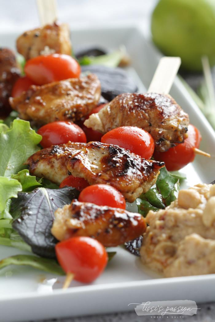 Hähnchenspieße mit Erdnuss-Saté-Sauce