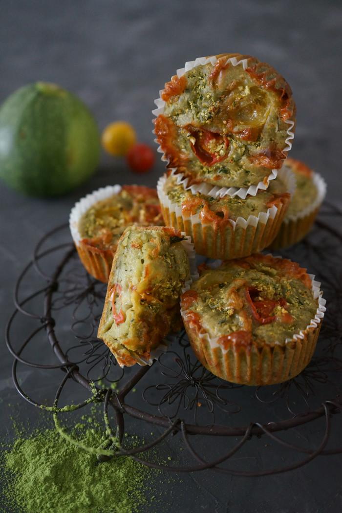 Zucchini Muffins mit Matcha Tee