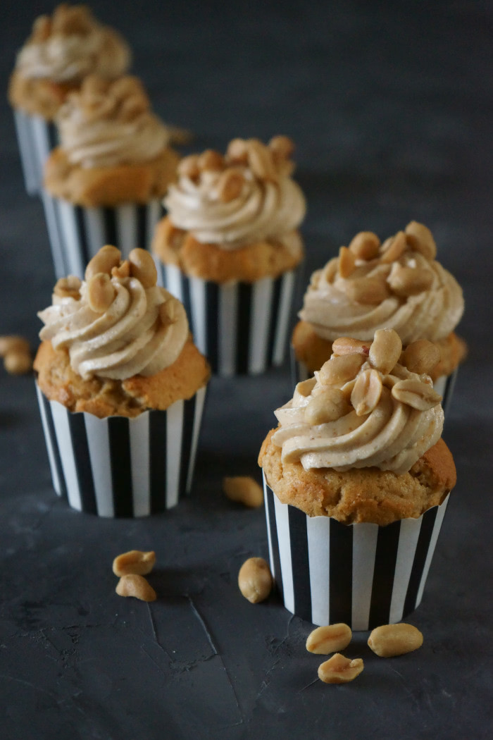 Erdnussbutter-Cupcakes mit Erdnusscreme