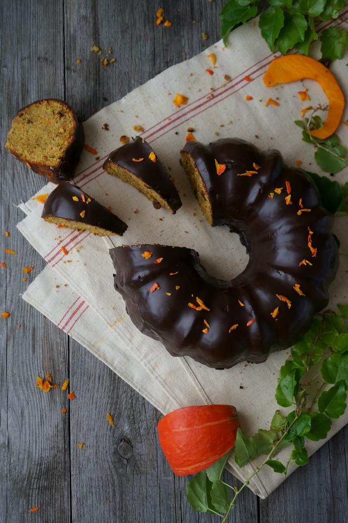 Saftiger Kürbis-Mandelkuchen