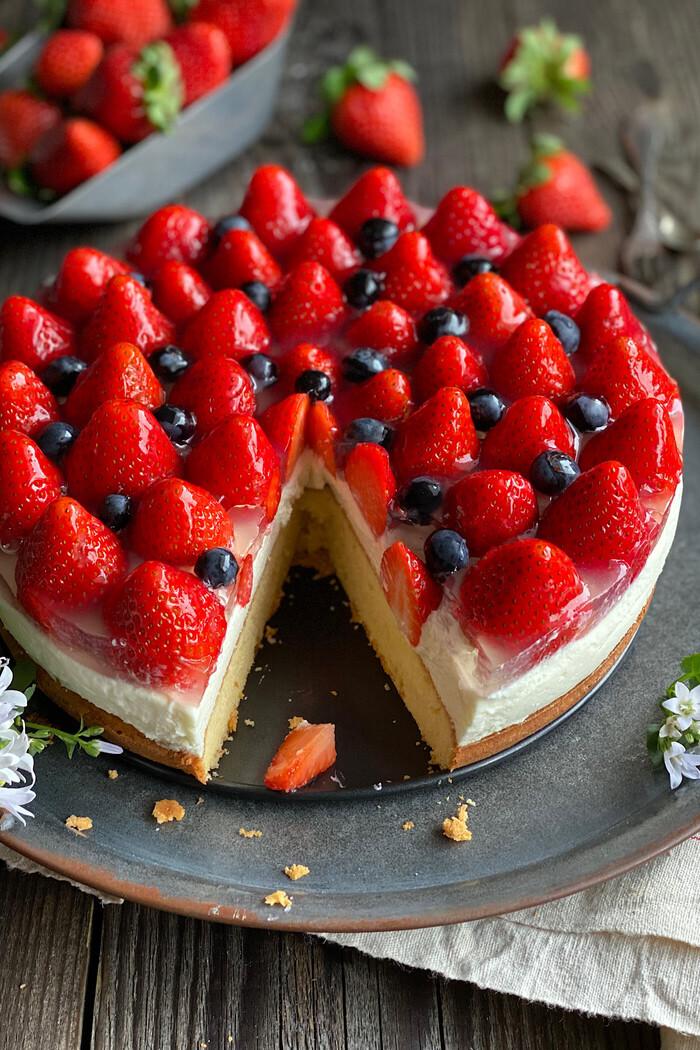 Erdbeer-Käse-Sahne Torte