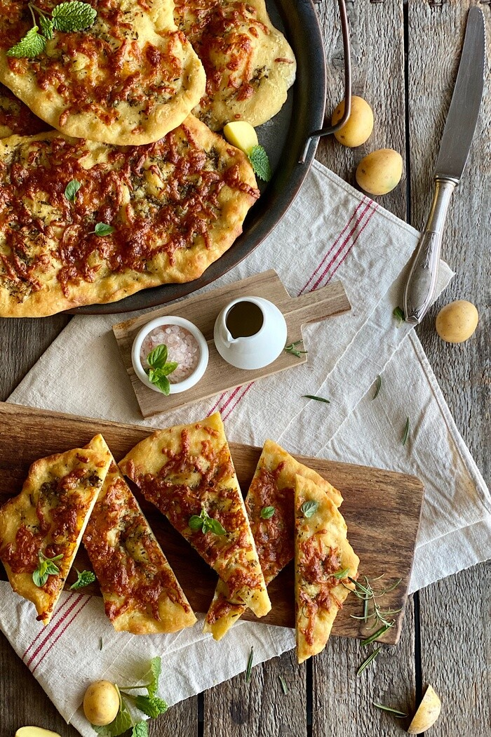 Focaccia di Patate con Mozzarella