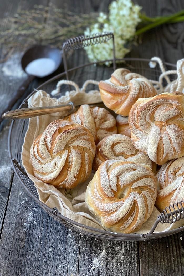 Frühstücksbrötchen knusprig & raffiniert