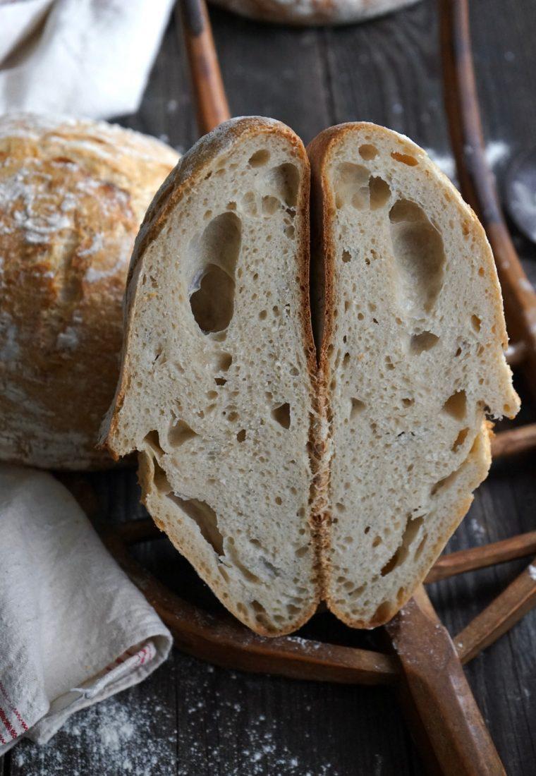 Knuspriges Weizenbrot mit Lievito Madre
