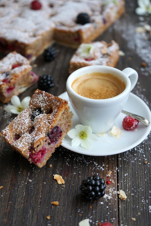 Beeren-Mandelkuchen