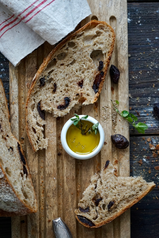 Griechisches Olivenbrot